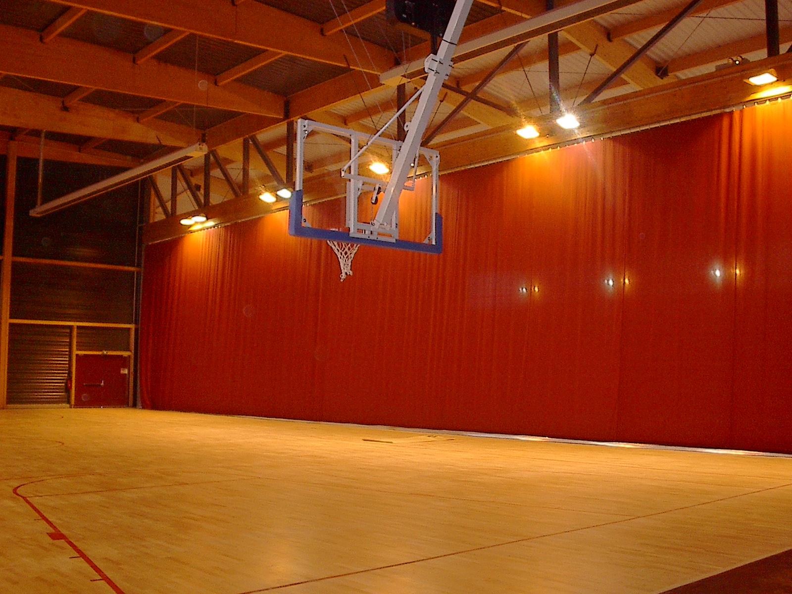 Nos réalisations-Rideaux de séparation salle de basket ORTHEZ